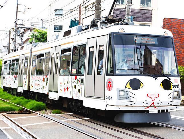 """萌哭!日本东急推出""""招财猫""""专线列车"""