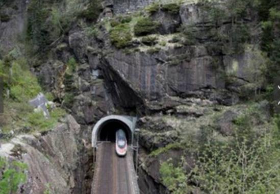 世界最长隧道 花费近千亿人民币挖了近17年
